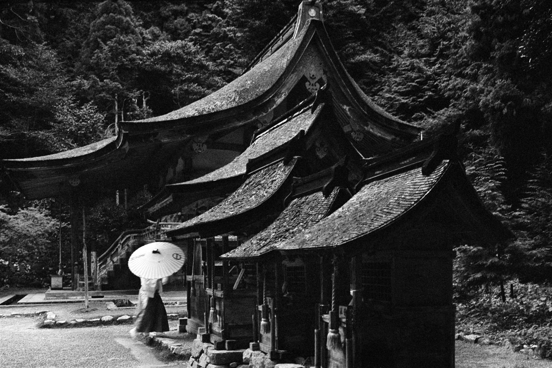 © Wei-Ming Yuan, A Buddist temple in Kyoto, 1990