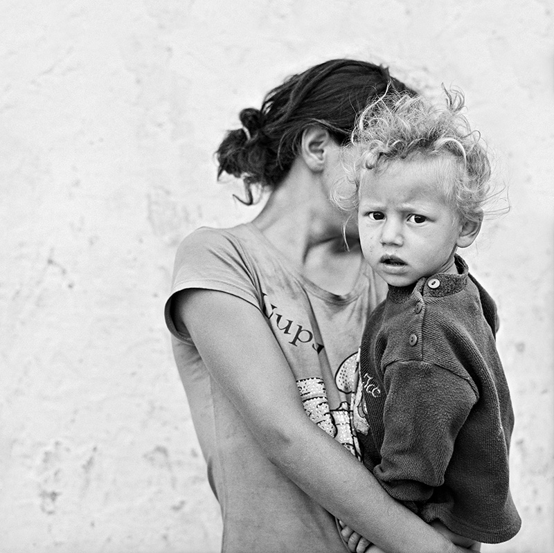 © Christine Turnauer – Alexandina and her brother Adrian, Romania, 2014, Courtesy KLV Art Projects