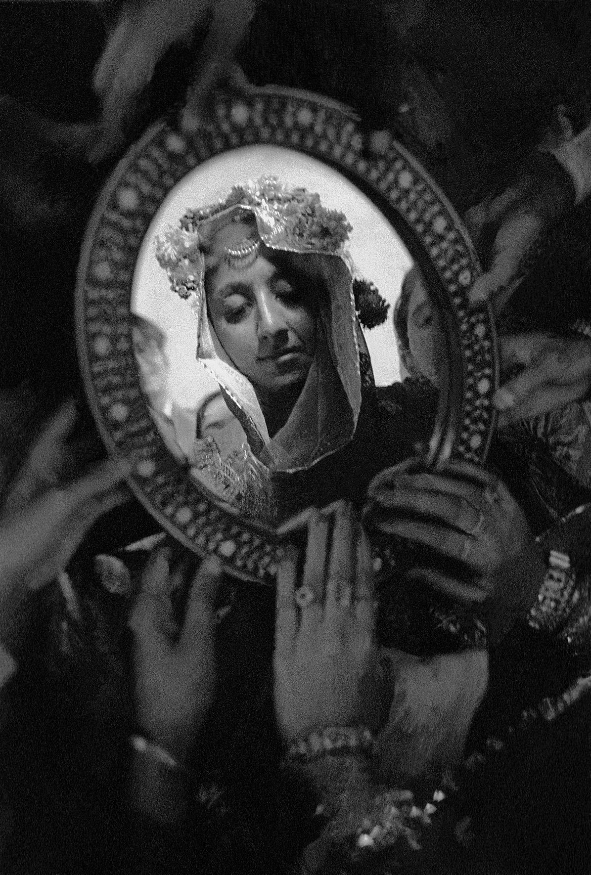 © Frank Horvat – Mohammedan wedding, the bride, Pakistan, 1952, Courtesy KLV Art Projects